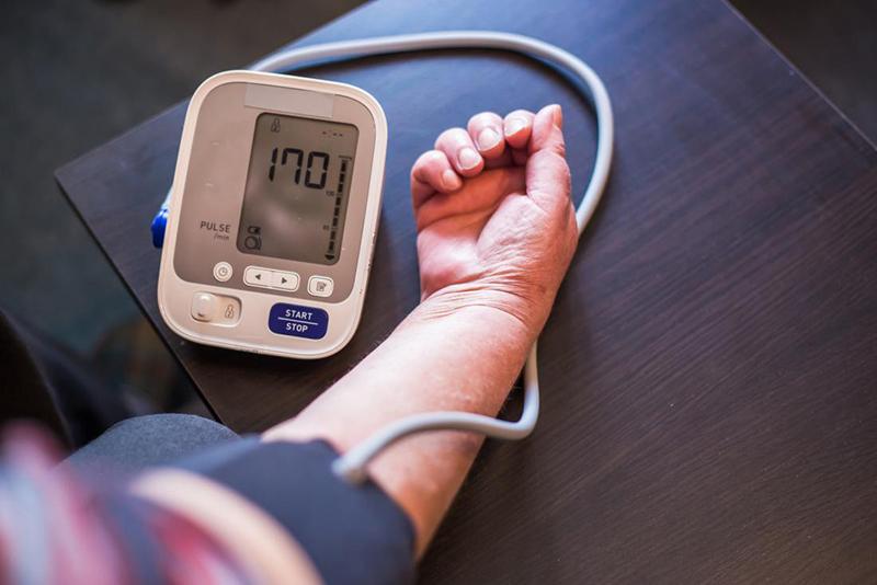 az ecg magas vérnyomást mutat