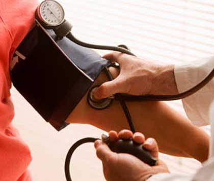 gyógyszerkölcsönhatás magas vérnyomás magas vérnyomás és súlyzó