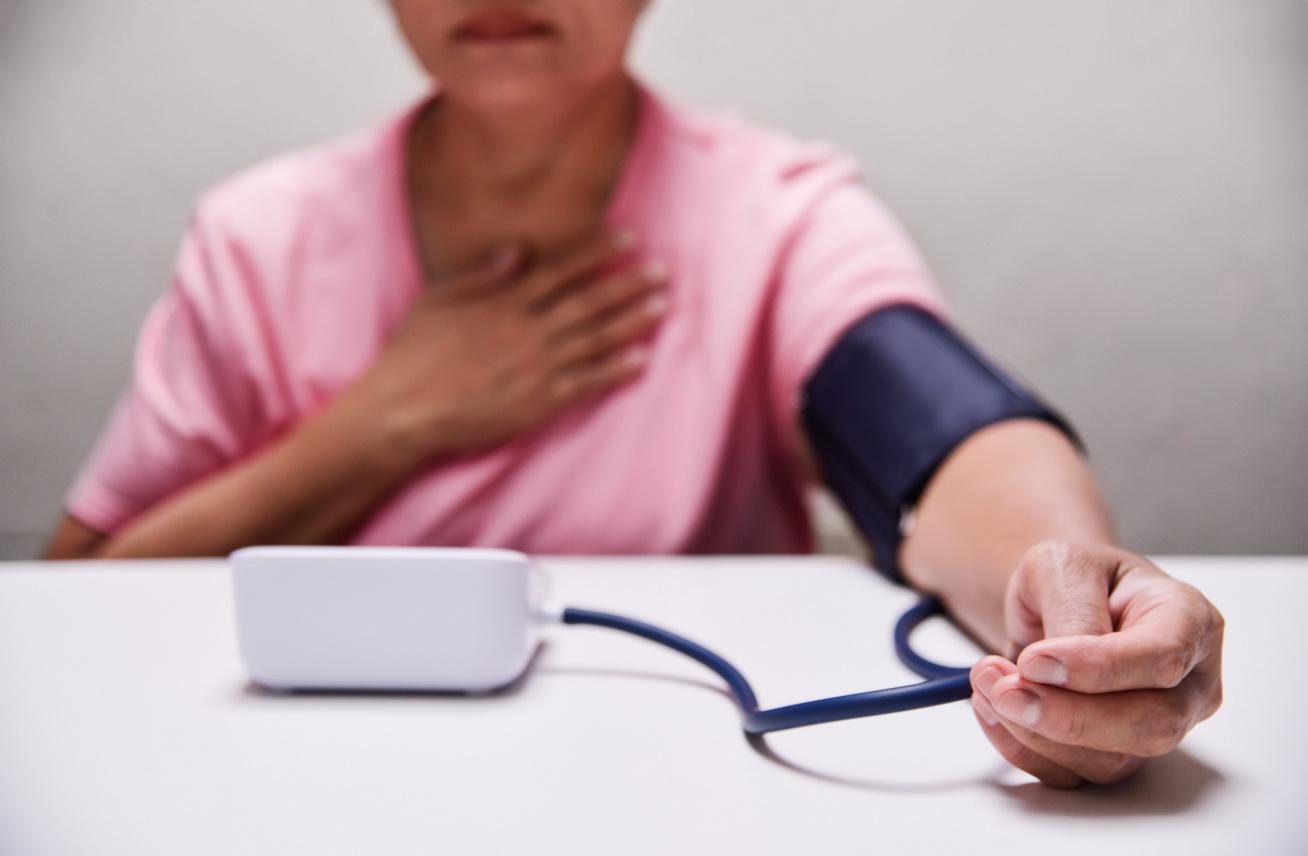 A templomban fellépő fájdalom és a vérnyomás közötti kapcsolat