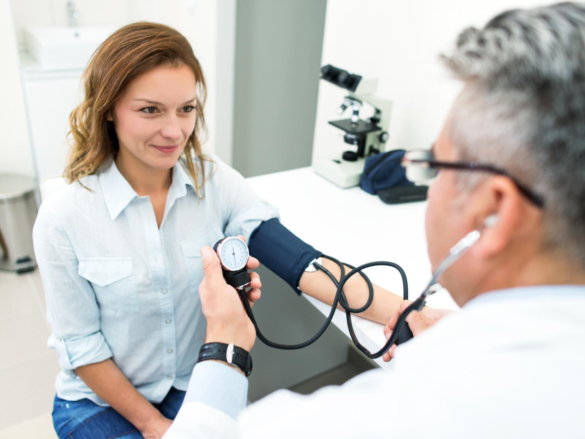 a magas vérnyomás farmakoterápiája és sürgősségi ellátás magas vérnyomásos krízisben hogyan lehet gyógyítani a magas vérnyomás első fokát
