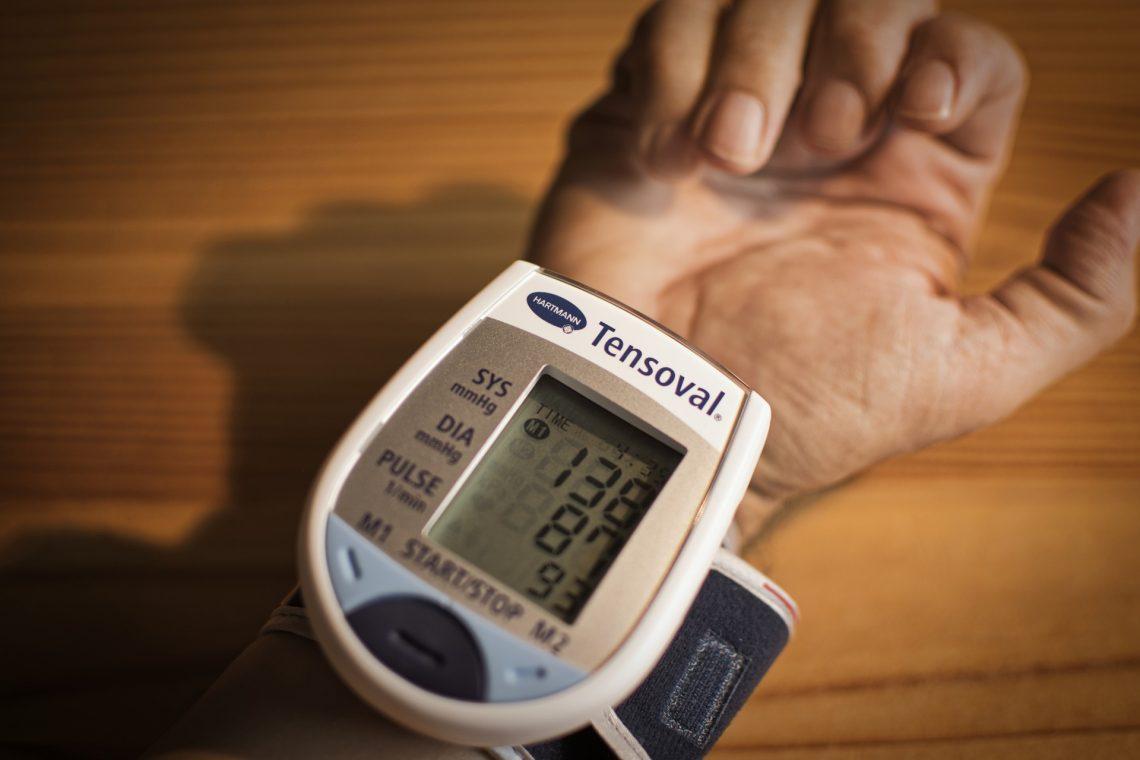 magas vérnyomás sok éven át magas vérnyomás tünetei és jelei