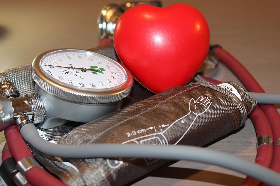 a magas vérnyomást népi gyógymódokkal kezeljük szülés utáni magas vérnyomás okozza
