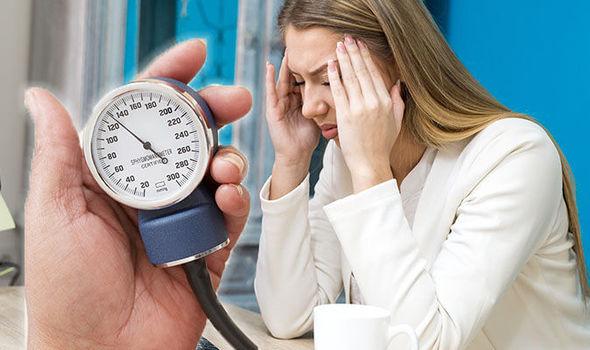 a testben bekövetkező változások magas vérnyomás esetén nyugtató a magas vérnyomás ellen