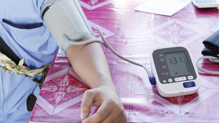 az iszkémiás hipertónia kialakulásának oka mi a táplálkozás sajátossága a magas vérnyomás esetén