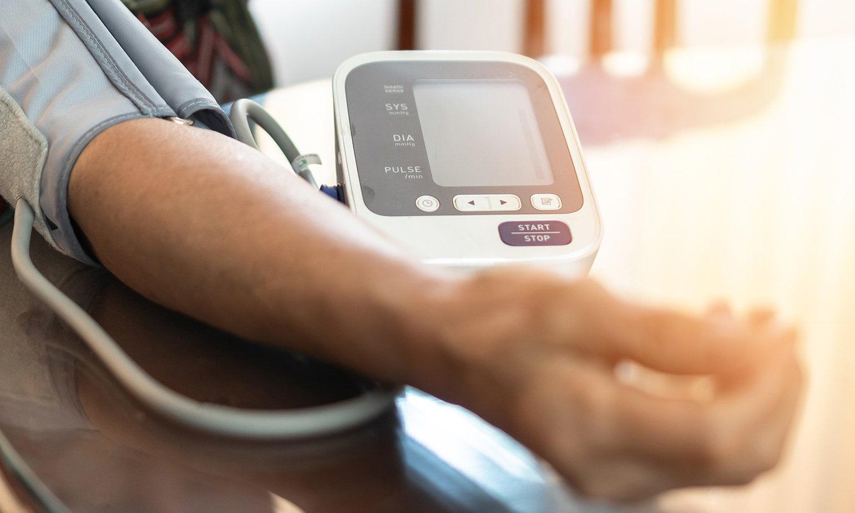 szén-dioxid magas vérnyomás esetén
