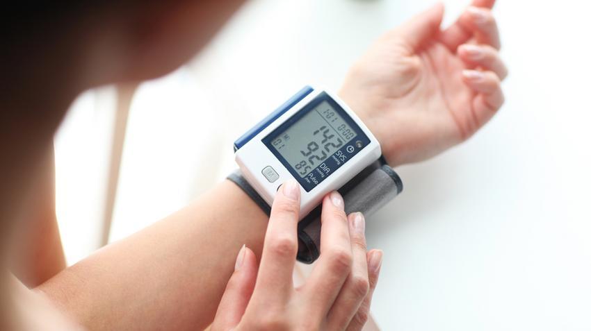 a magas vérnyomást elosztjuk 2-vel