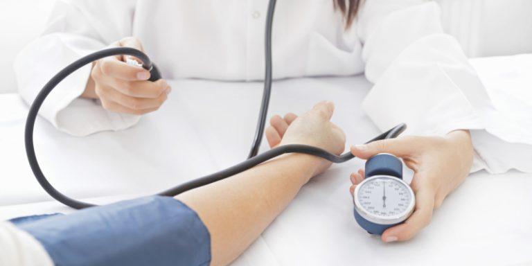 szívverés magas vérnyomás kezelésére