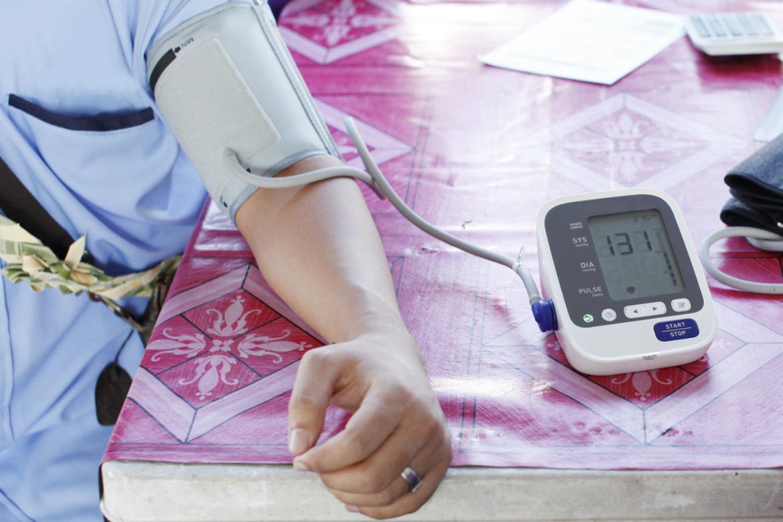 az embereknél a hatujjas és a magas vérnyomás a domináns gyógyítja a magas vérnyomást népi
