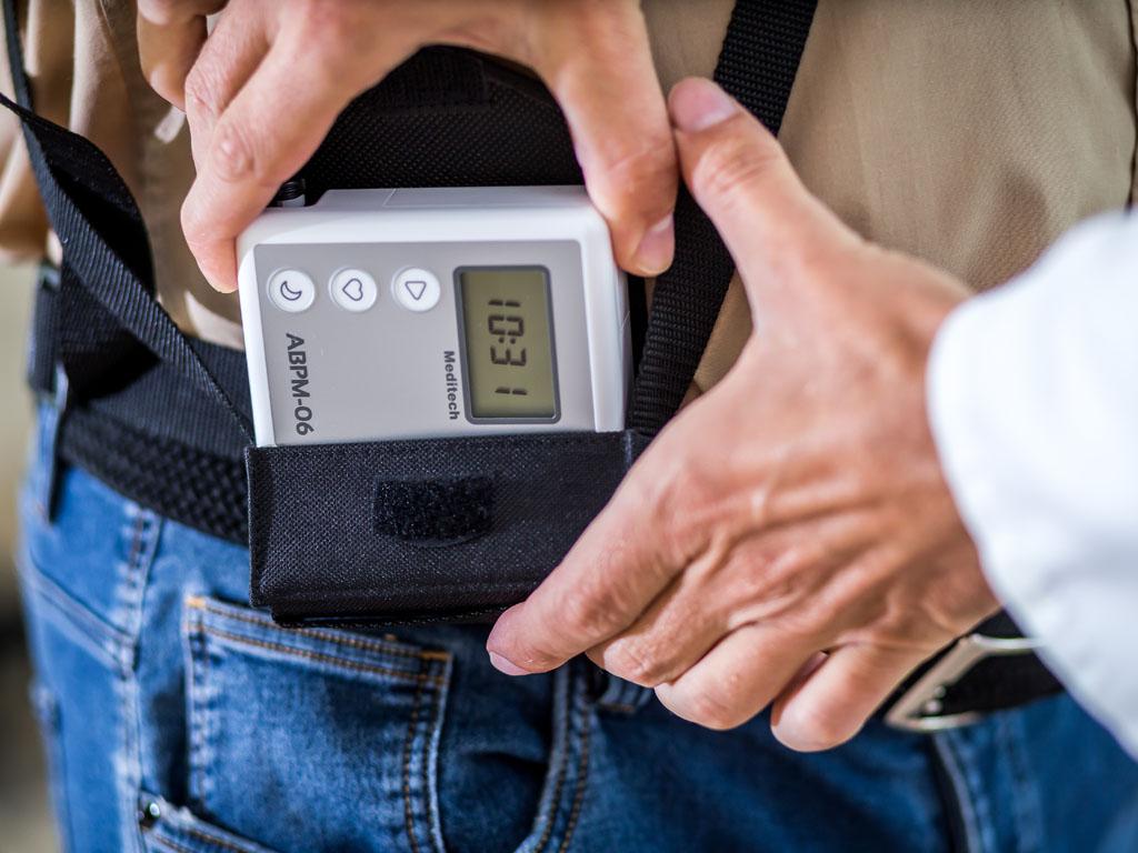 magas vérnyomás urolithiasis gyógyszerekkel asd-2 alkalmazása magas vérnyomásban szenvedő emberek számára